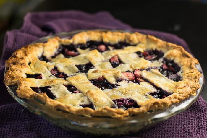amazing blueberry rhubarb pie