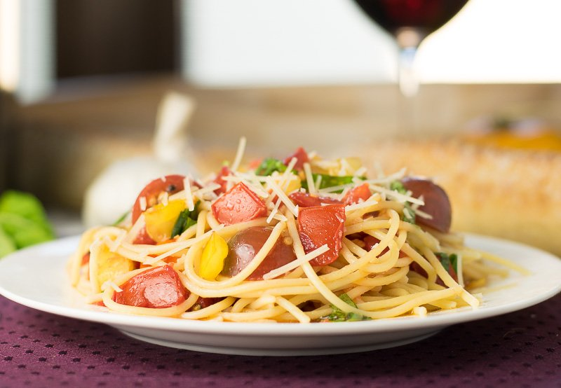 Heirloom Tomato Balsamic Olive Oil Sauce with Spaghetti