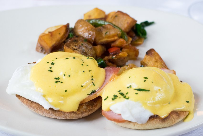The American Club Traditional Eggs Benedict
