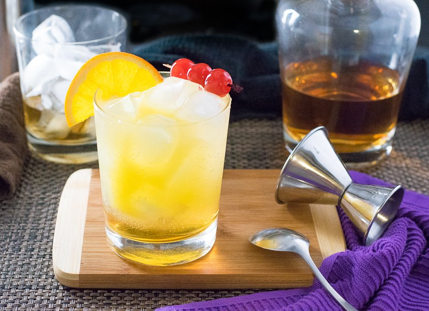 Amaretto Stone Sour Cocktail