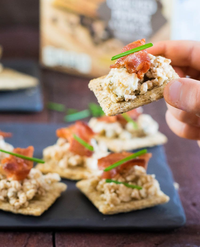 Easy TRISCUIT Appetizer – Bacbluvincuit