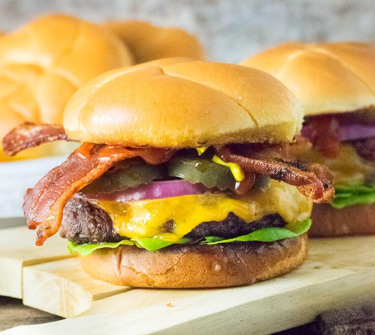 """Résultat de recherche d'images pour """"cheeseburgers"""""""