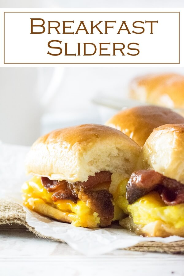 Bacon, egg, and cheese breakfast sliders are an easy and fun breakfast! #breakfast #sandwiches #eggs