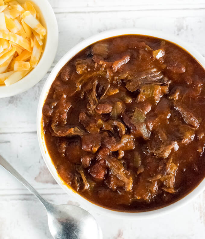 How to make shredded beef chili